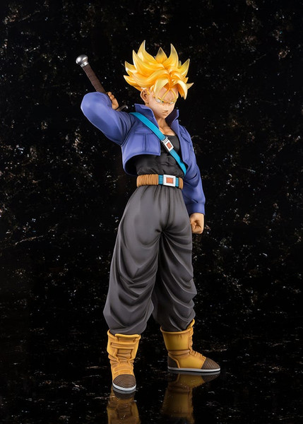Super Saiyan Trunks Dragon Ball Figuarts Figure