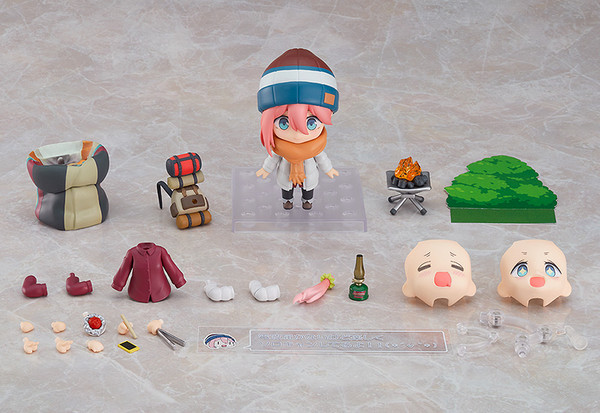 Nadeshiko Kagamihara Solo Camp DX Ver Laid-Back Camp Nendoroid Figure