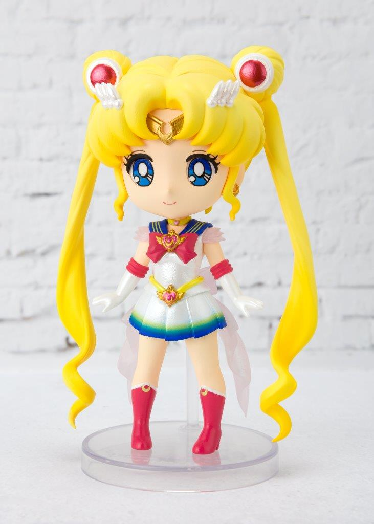Super Sailor Moon Pretty Guardian Sailor Moon Eternal Figuarts Mini Figure