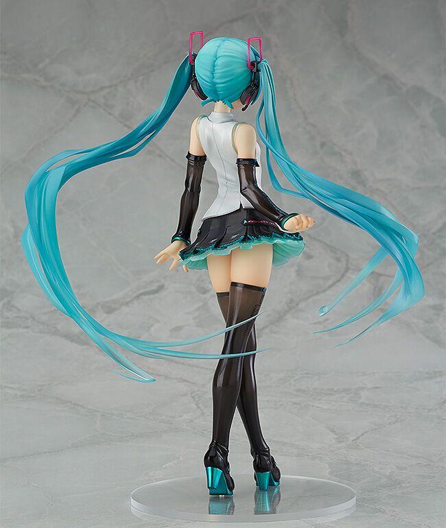 Hatsune Miku V4X Vocaloid Figure
