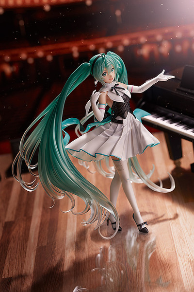 Hatsune Miku Symphony 2019 Ver Vocaloid Figure